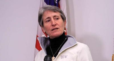 Jewell is still trying to sell herself as someone who knows the energy industry well. | AP