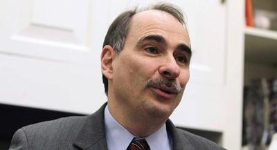 David Axelrod noted that independents supported Alex Sink's position on 'mending, not ending' Obamacare. | GETTY